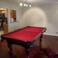 Beautiful 8' Pool Table